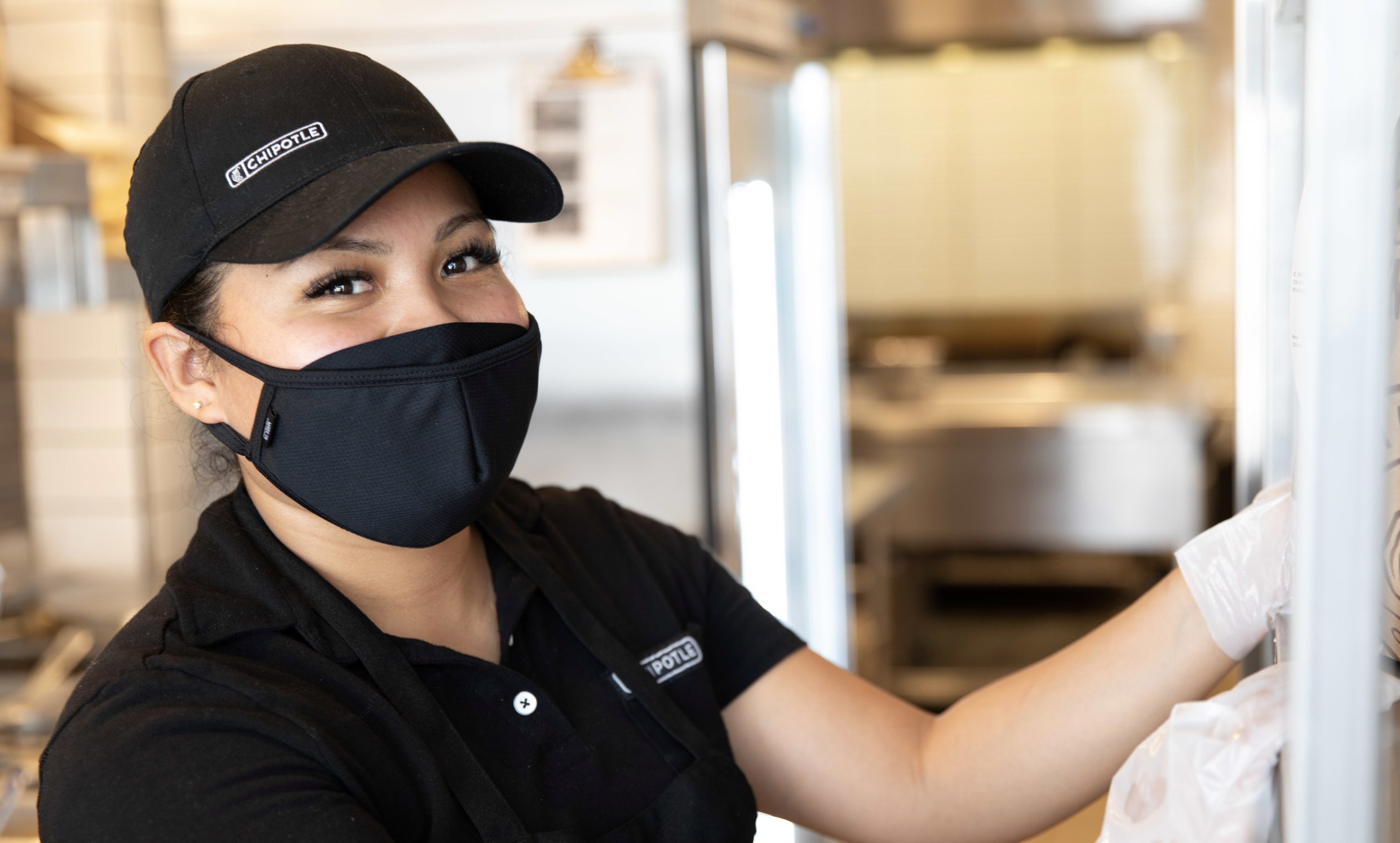 chipotle wages